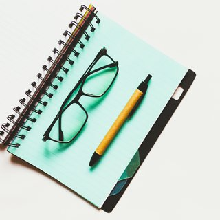 Notepad glasses and pen